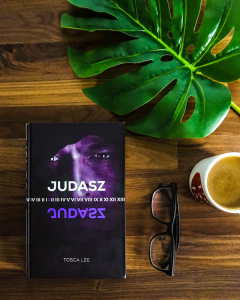 """Tosca Lee - """"Judasz"""""""