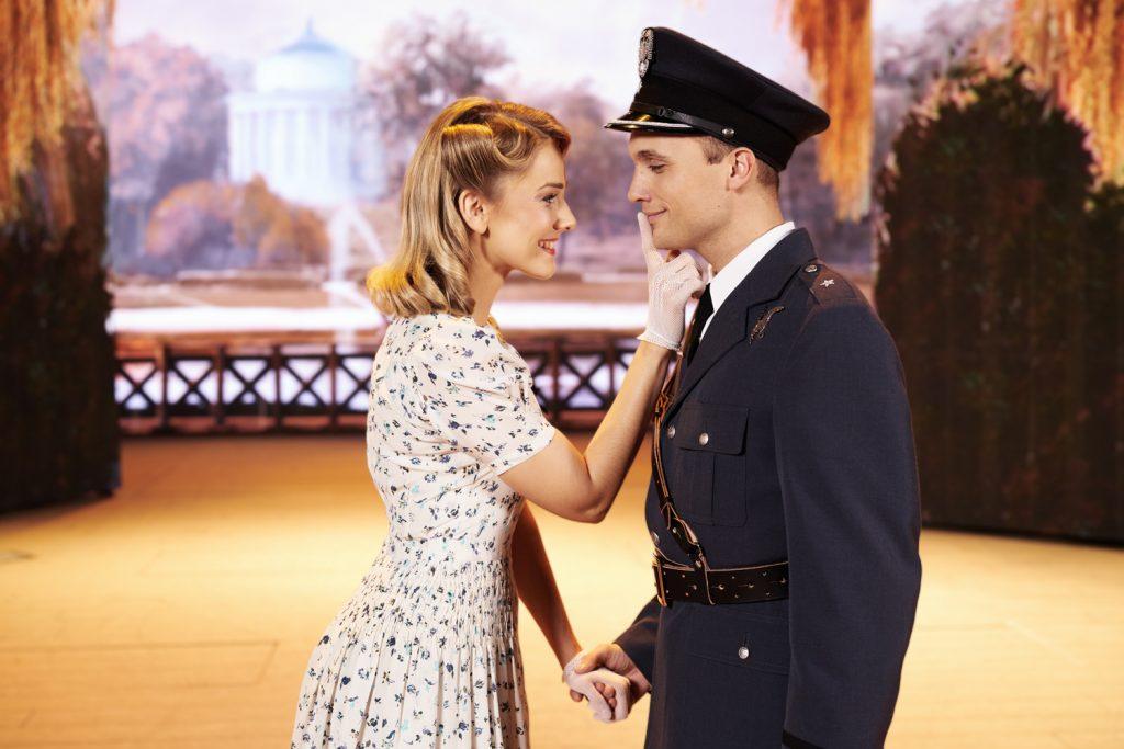 źródło zdjęcia: www.piloci.teatrroma.pl
